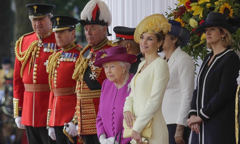 Casa Real Casa Real En vídeo y al detalle, el espectacular recibimiento de los reyes Felipe y Letizia en Londres